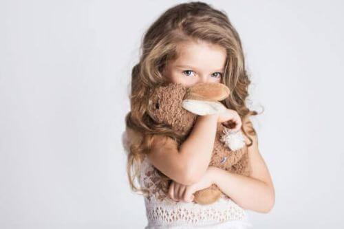 Kiedy dzieci odczuwają wstyd przed cielesnością?