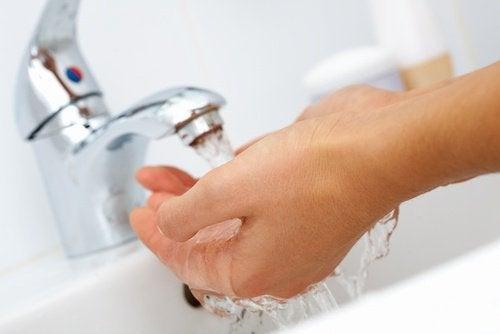 Mycie rąk pomaga uniknąć przeziębienia