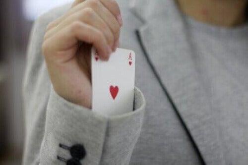 Karta chowana w rękawie