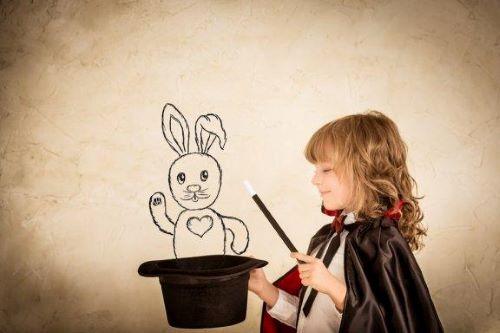 Sztuczki magiczne dla dzieci: poznaj cztery ciekawe propozycje
