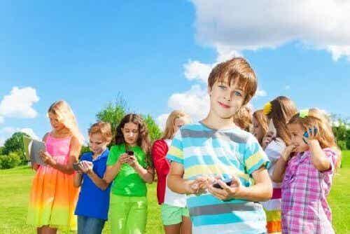 Media społecznościowe - w jakim wieku dzieci mogą zacząć z nich korzystać?