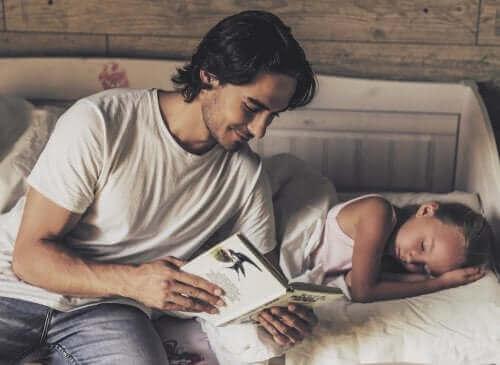 Kiedy zacząć czytać dziecku pierwsze książki?