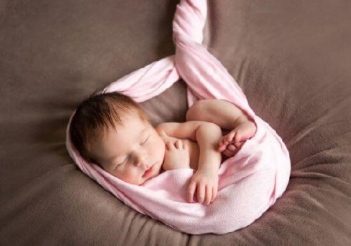 Życie w łonie matki: implikacje natury emocjonalnej