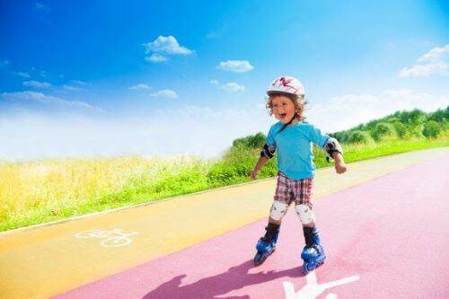 Jazda na rolkach: naucz jej dzieci w kilku krokach