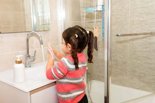 Czy koronawirus jest niebezpieczny dla dzieci? Poznaj odpowiedź na to pytanie!