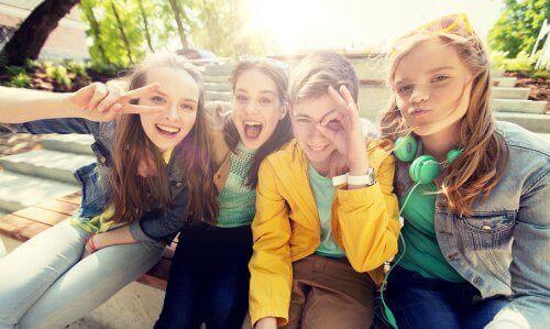 Uśmiechnięte dziewczyny