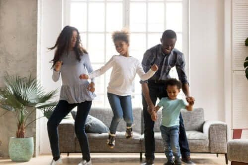 Aktywność fizyczna podczas odosobnienia - tańcz i spalaj energię