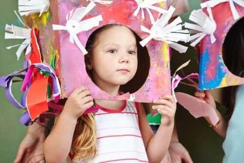 Dziewczynka w kostiumie