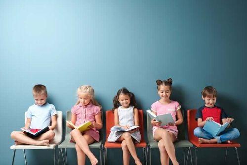 Dzieci w trakcie nauki