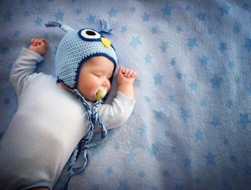Zespół nagłego zgonu niemowląt: jak się przed nim bronić?
