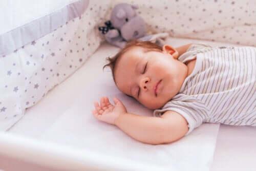 Śpiące niemowlę - zespół nagłego zgonu niemowląt