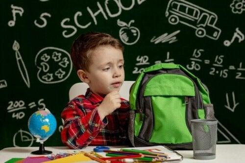 Adaptacja dziecka w nowej szkole - jak mu pomóc?