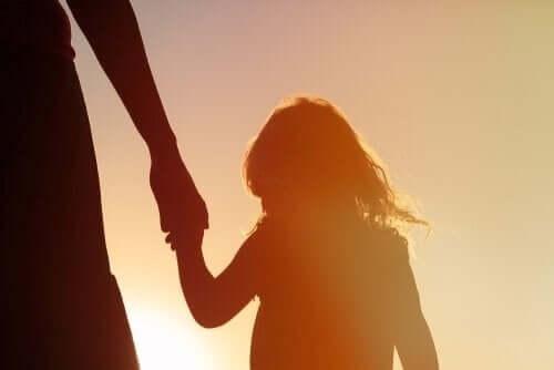 Krytyczni rodzice i ich wpływ na rozwój dziecka