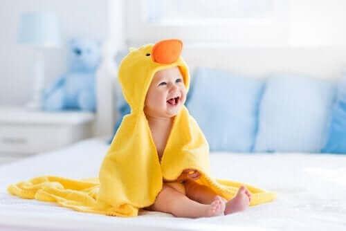 Etapy rozwoju dziecka w pierwszym roku życia