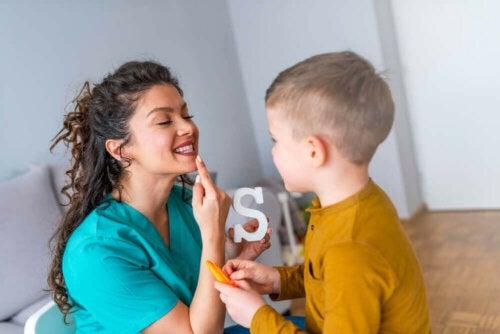 Zaburzenia mowy u dzieci - jak im pomóc?