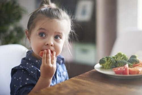 Jak możesz pomóc dziecku dobrze jeść?