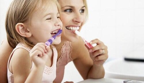 Dowiedz się jak dbać o mleczaki u dziecka
