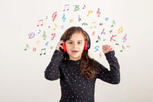 Jak zrobić domowe instrumenty muzyczne?