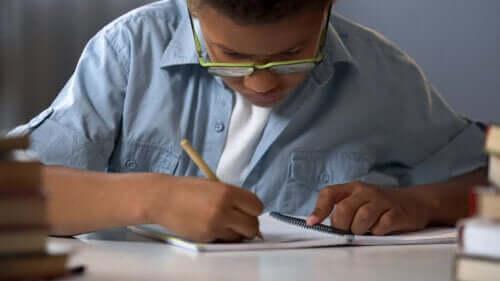 7 gier rodzinnych z użyciem ołówka i papieru