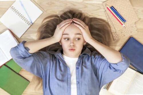 Trudności w nauce - jak pomóc nastolatkowi?