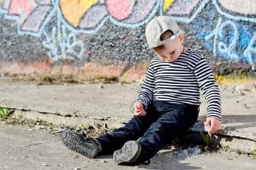 Nieśmiałe i introwertyczne dzieci: co je różni?