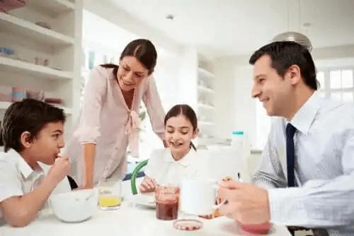 Rodzina przy stole