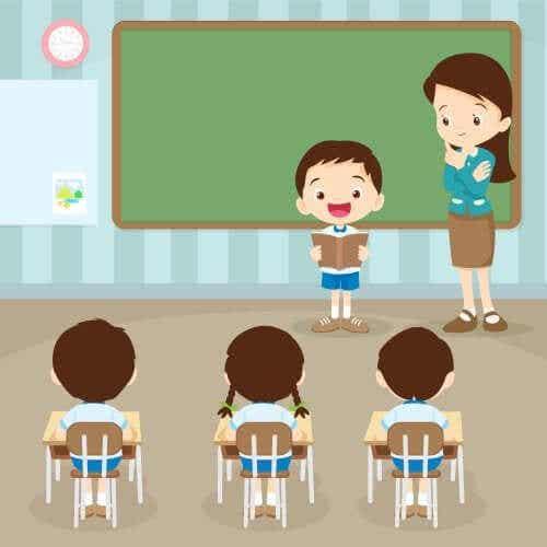 Chłopiec czytający w klasie