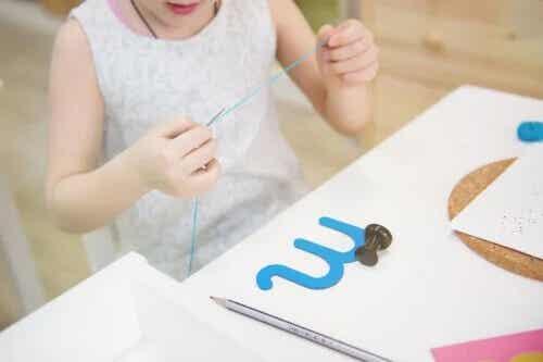 Chłonny umysł według Montessori - poznaj założenia!