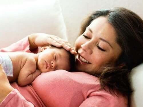 Pielęgnacja ciała po porodzie - poznaj najważniejsze wskazówki!