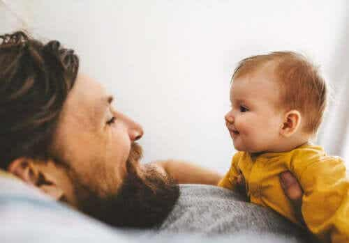 Czy wiesz, na czym polega komunikacja migowa z dziećmi?