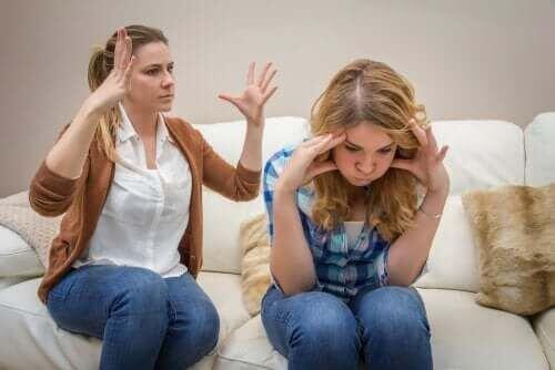 """Komunikowanie się z nastolatkami: """"Mission Impossible""""?"""