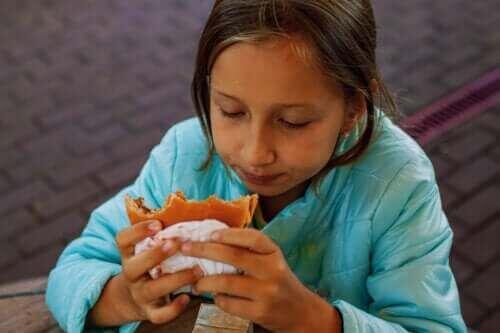 Wysoki poziom cholesterolu u dzieci: czy jest się czym martwić?