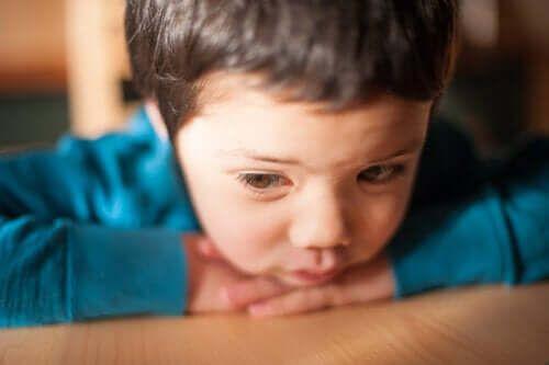 Niska samoocena u dzieci - sygnały ostrzegawcze