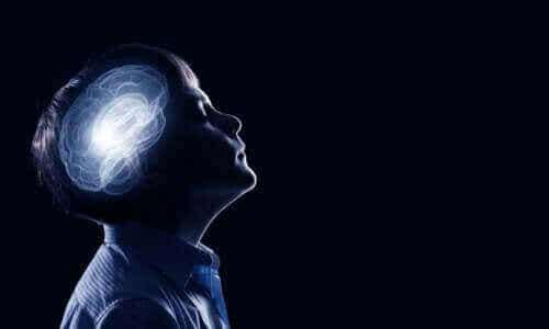 Przycinanie synaptyczne w okresie dzieciństwa i dojrzewania