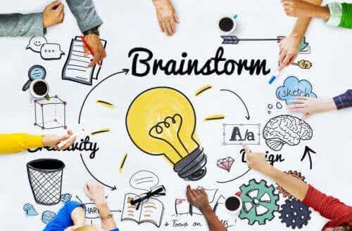 Burza mózgów w pracy grupowej - poznaj najważniejsze korzyści