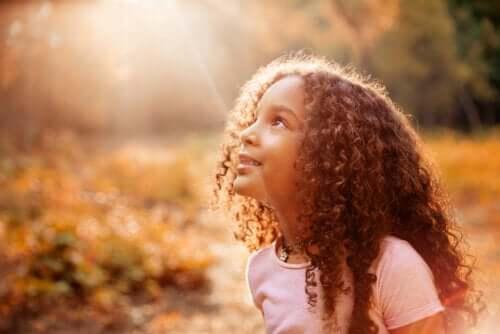 Jak pomóc dzieciom wypracować poczucie godności?