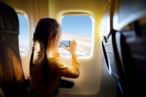 Wyjazd za granicę z dziećmi: poznaj kluczowe aspekty prawne