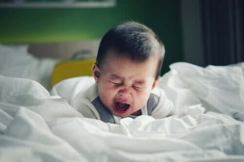 Wgłobienie u niemowląt: czy wiesz, co to takiego?