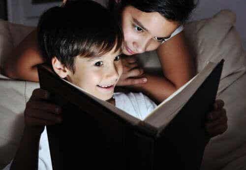 Gasimy światła, pora rozpocząć czytanie książki!