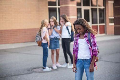 6 technik pozwalających znieść dokuczanie w szkole