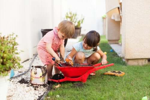 Jak brudzenie się podczas zabawy wpływa na rozwój dziecka?