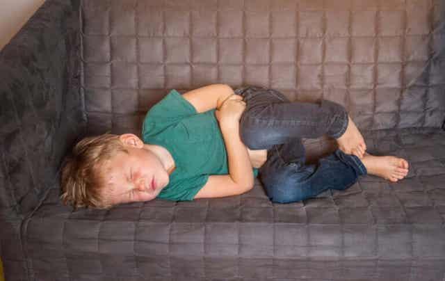 Dziecko z bólem brzucha