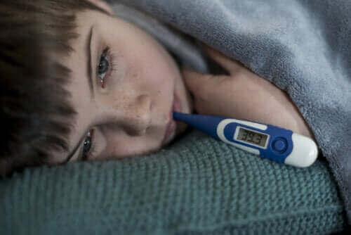 Czy gorączka przyśpiesza wzrost dziecka?