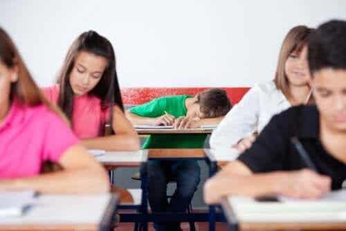 Spanie w klasie
