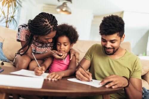 Czy rodzice powinni komplementować swoje dzieci?