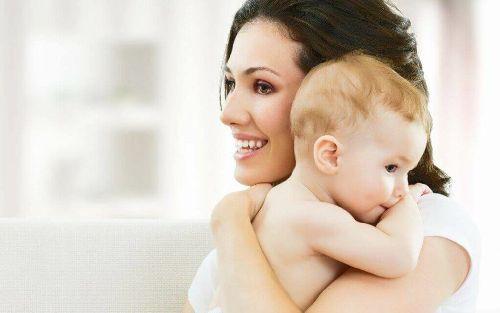 Karmienie piersiąjako niepodważalne prawo matki i dziecka