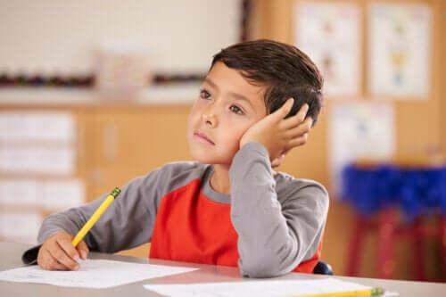 Rozproszone dziecko: na co należy zwrócić uwagę?