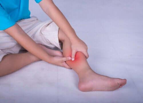 Najczęstsze przyczyny powodujące bóle mięśni i inne dolegliwości u dzieci