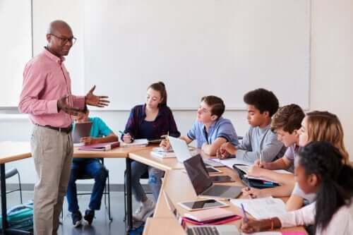 Dowiedz się, czym jest nauczanie oparte na problemach