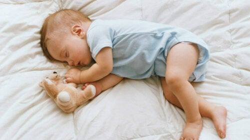 Jak i kiedy przenieść dziecko do jego sypialni? Oto kilka porad!